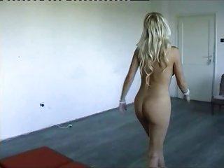 免费成熟的同性恋色情影片匈牙利群业余极端的黑公鸡妓女属于