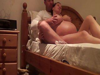 免费在线自制的色情视频孕凯利hart,前的情人女性的身体在家里