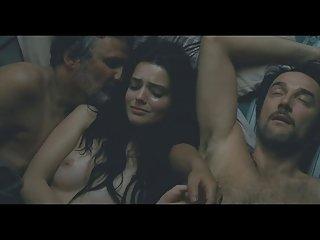 免费的色情生病的视频罗克珊mesquida(三人性爱