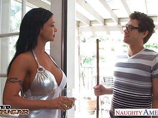 免费的在线色情影片的业余的黑发美洲狮宝石翡翠
