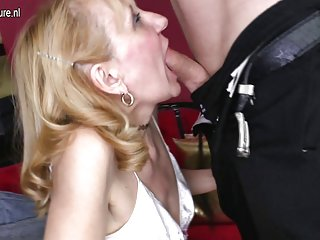 免费的钱谈判色情影片奶奶乱搞的业余的面部护理艾莉西亚*凯拉