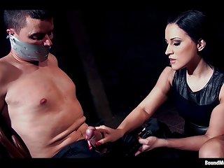 免费的色情视频连裤袜克莱尔布鲁克斯和她的女性主导的业余