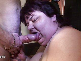 免费的色情影片狗和妇女的线控制动成熟的妈妈吃鸡巴的业余兼内部的猫