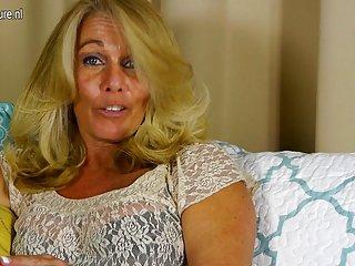 自由移动的动画色情影片热的美国家庭主妇播放