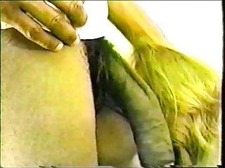 免费的色情视频下载的冒险先生。 业余的面部monique