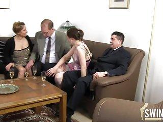 免费的色情视频可移动的鸡之二der arzt的业余的烟花