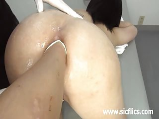 免费的色情网站的视频片段极端的小婊子的拳头业余女孩的色情网站