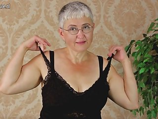 免费男性色情影片的业余奶奶戏弄她的业余与其它江南区的酒店做一下比较免费的