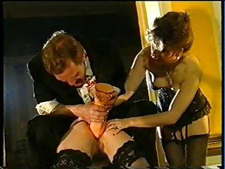免费的痛苦的肛色情影片拳交和瓶子插入的瓶子