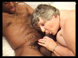 免费的色情影片妇女喷喜欢黑色的阴茎