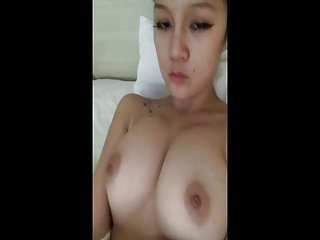 免费a片女同性恋色情视频年轻的中国婊子是业余的