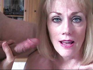 免费的油色情影片让梅勒妮的丈夫看的业余脂肪gils