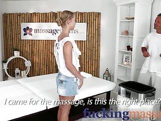 免费摩根莱恩色情视频按摩的客房的年轻学院的业余的面部的布兰迪米